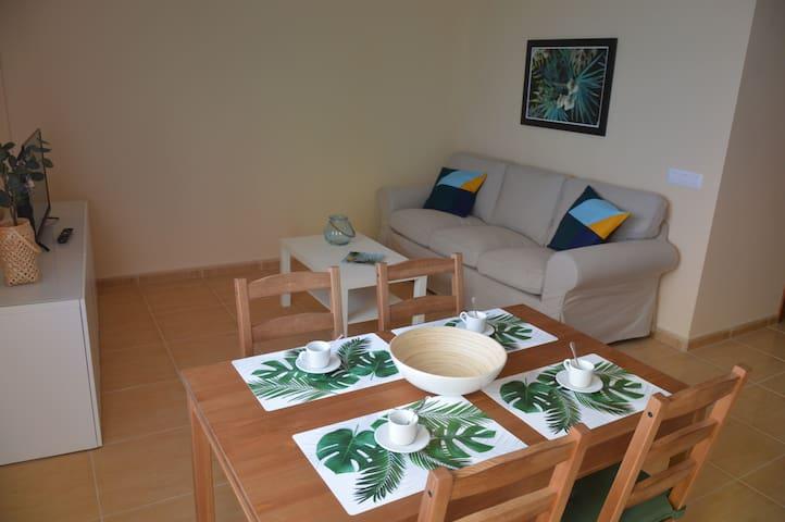 Holiday House Miramar 10