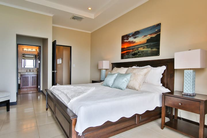 Master bedroom with ocean view of the new Flamingo Marina