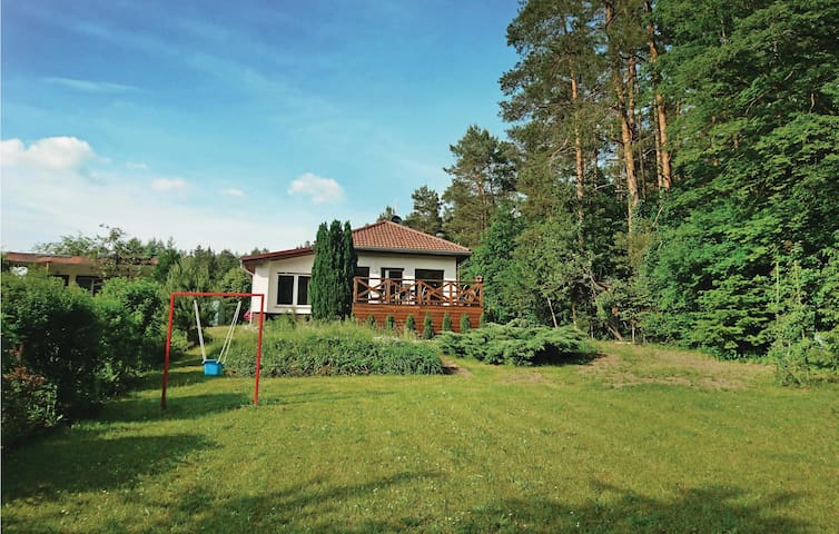 Holiday cottage with 3 bedrooms on 98 m² in Zdroisko
