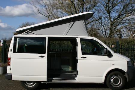 Volkswagen T5 hefdak camper - Montfoort