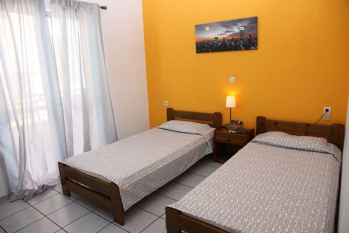 Cozy Apartment for 2 - Malia - Apartamento