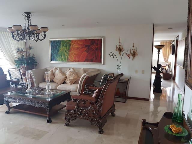 Beautiful Room in Poblado. Next to Tesoro mall
