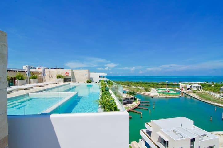 EXCLUSIVE LUXURY CONDO located in puerto Cancún