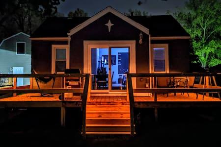 Modern cottage on the lake w/ 2 kayaks & game room