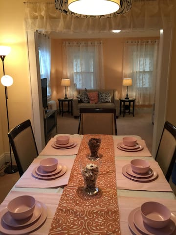 Cozy 3 BR, AT MINUTES to NYC - Fort Lee - Huis