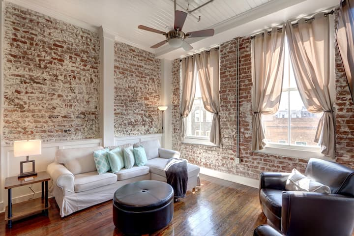Historic Savannah 1BR/1BA Steps From Everything