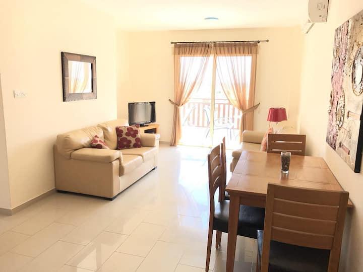 2 Zi Apartment, Nahe Meer und Flughafen+ WIFI + TV