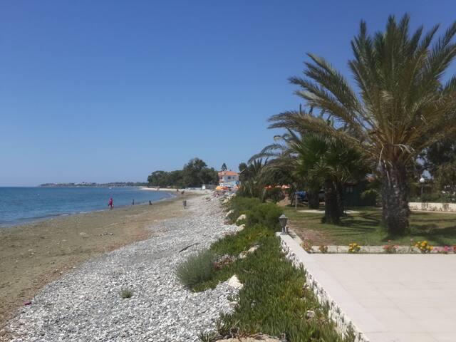 Прекрасный домик рядом с морем - Larnaca - Casa a schiera
