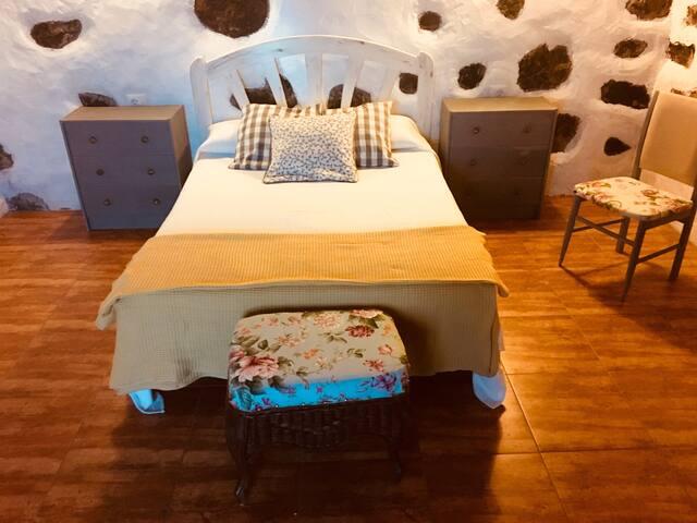 Habitación doble,disponibilidad de cuna bebé.