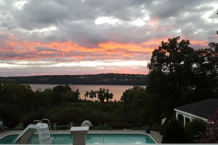 Hudson River View Home with in-ground pool/hot tub - Wappingers Falls