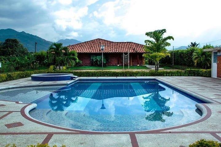 Villa Agaton