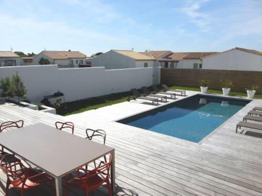 Villa contemporaine piscine chauff villas louer Piscine oloron sainte marie