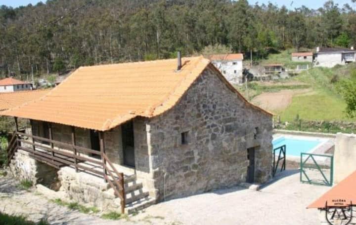 Casa da Guia, free Wifi and Pool View