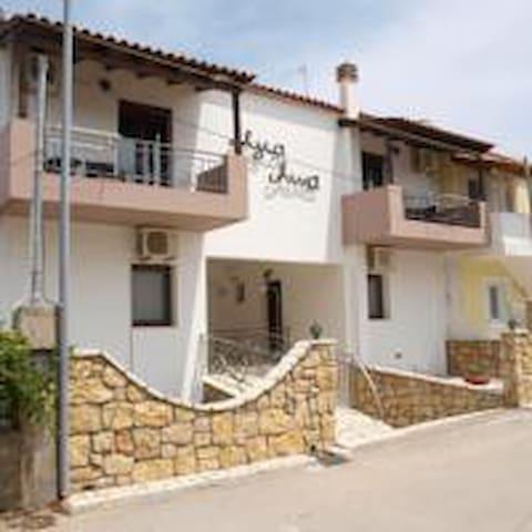Agia Anna Apartments