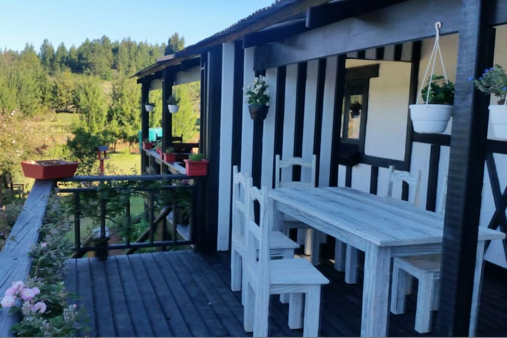 Timber Deck Dining Area with Braai Facilites