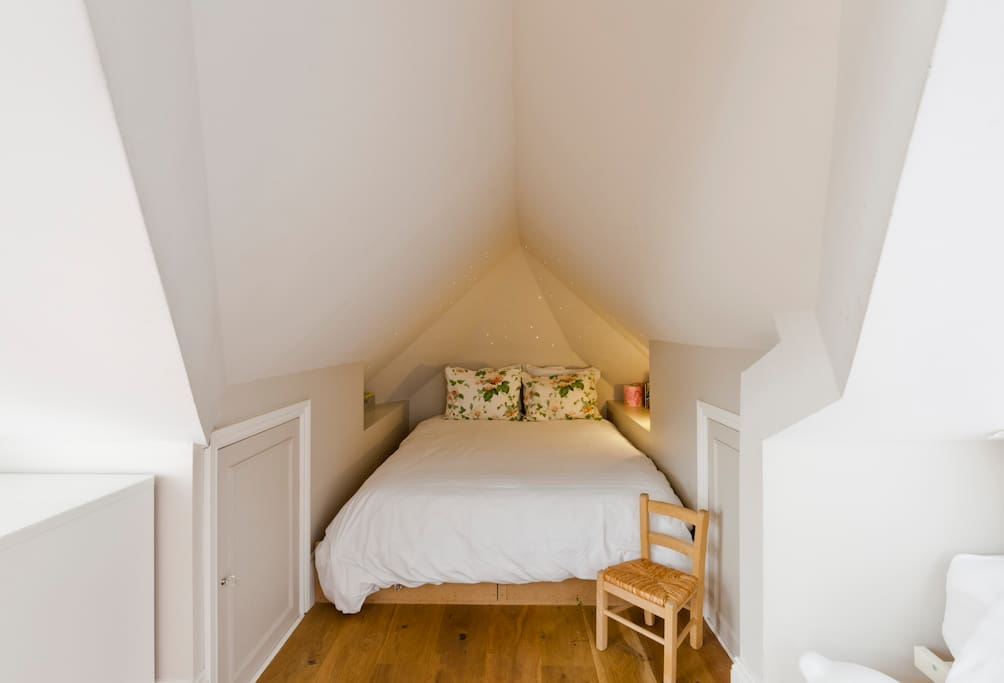 A double bedded nook
