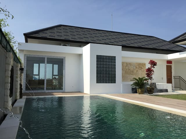 Bali Quad Green residence, 2 br roof top apartment