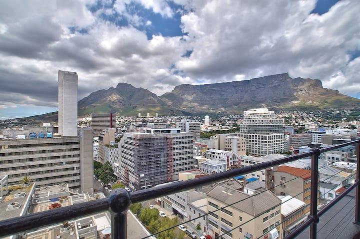 Penthouse Table Mountain Views
