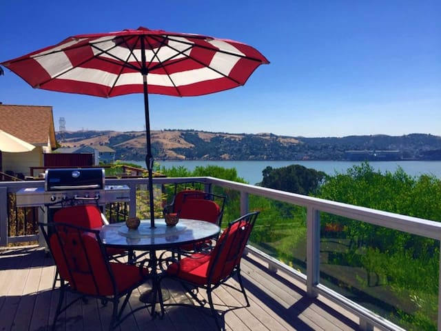San Francisco Bay area 3 bed house with view