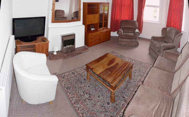 Room 1 in Shared Flat - Ideal for Contractors