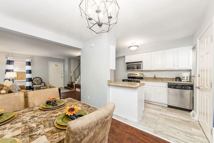Cozy Townhome Next to OSU and Short North (B)