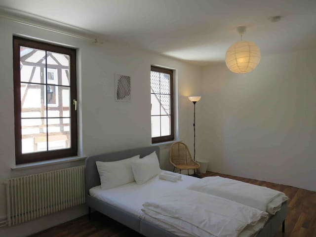SOHO SUITE - 4min Central Station | !Renovations!