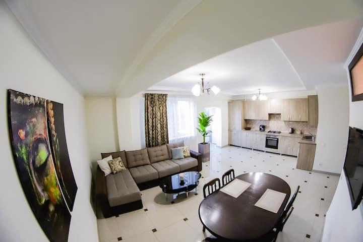 1BR & Living Room, Perfect Location, Quiet & Comfy