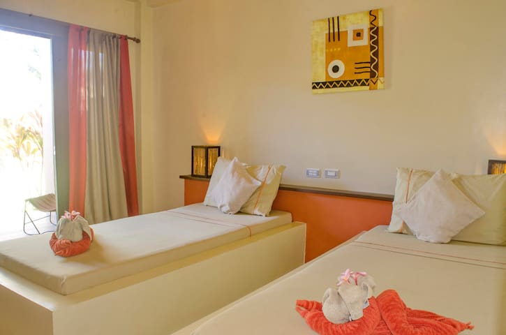 Deluxe Twin room with serene ambiance