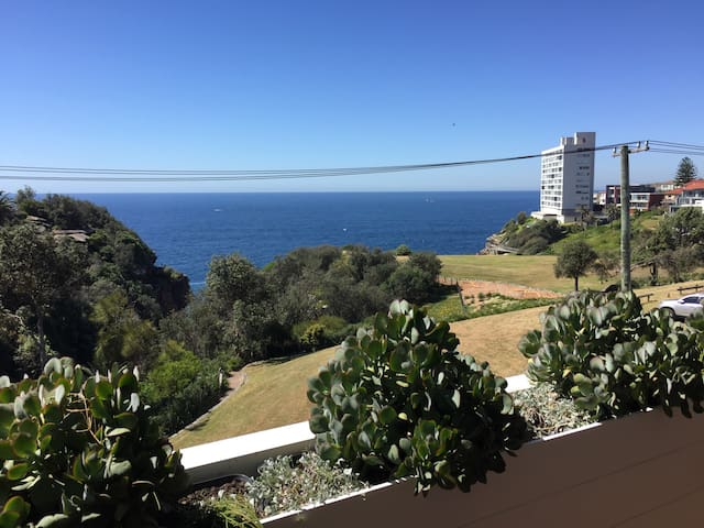 Beautiful Modern Apartment- Sea views - Vaucluse - Byt