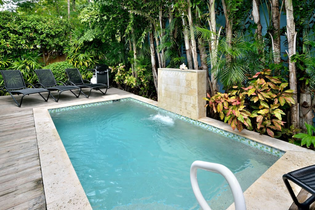 Private heated pool with waterfall. Gas grill to cook your fresh catch!