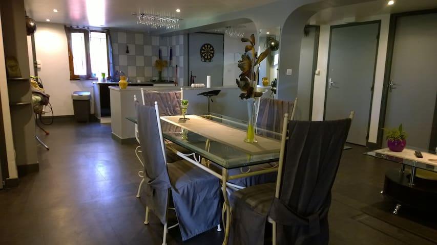 Chambres privées + grand espace de vie à Angoulême - Angoulême - Dům