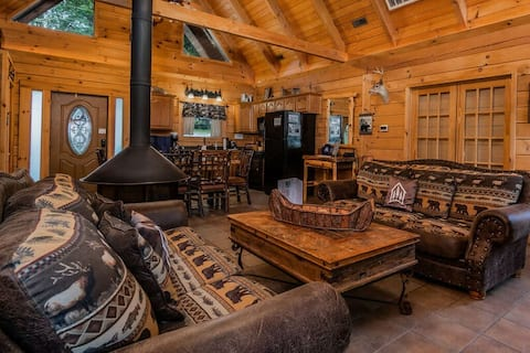 Amazing Premium Cabin, Hot Tub,Jetted Bathtubs,Fireplace/and Pit, Near Big Cedar