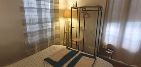 Cosy apartment near Champs Elysées -Private room