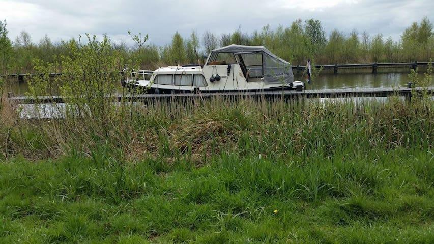 Akkrum Friesland. Te gek bootje te huur - Akkrum - Boat
