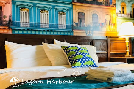 Lagoon Harbour Double Room with Lake View 1st F