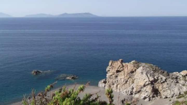 Terrazze panoramiche.Vista sulle isole Eolie.