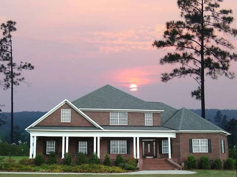 5 bedrooms on 15 acres close to downtown Aiken
