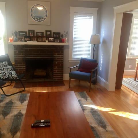Great and Safe Location- Near Cambridge + Boston - Arlington - Διαμέρισμα