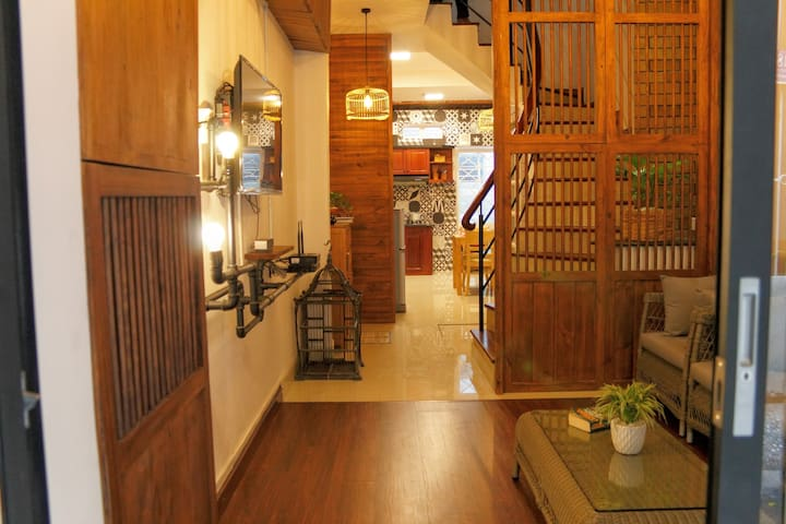 5 bedroom home for 7 people near Notre Dame - Ho Chi Minh City - Rumah