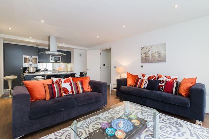 Trendy Apartment | Excel Centre | O2 Arena