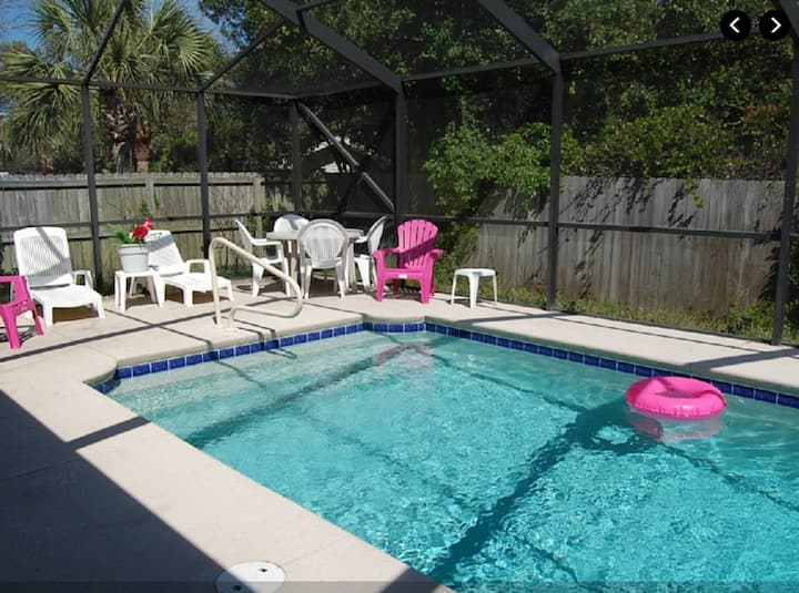 Dolphin house with Private Pool and Near Beach