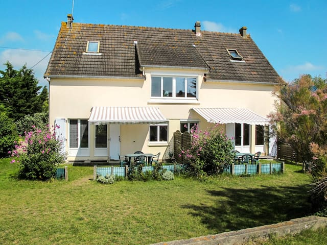 Holiday apartment in Denneville for 4 persons