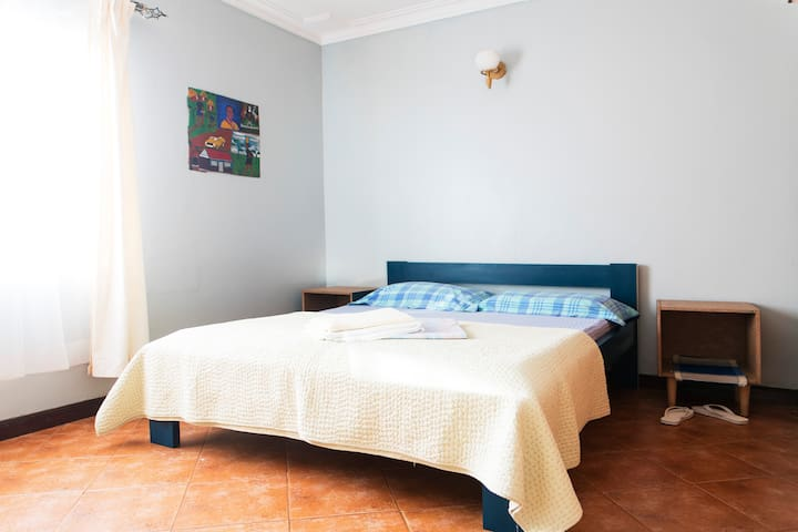 Big and stylish w/private bathroom by Acacia mall