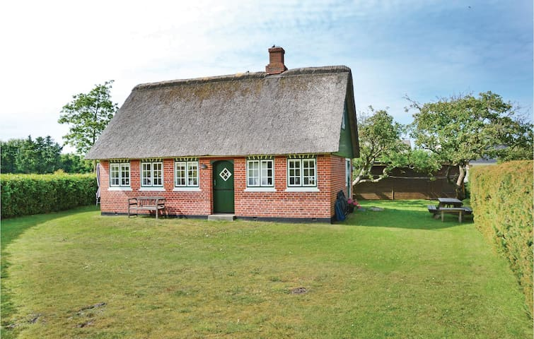 Holiday cottage with 3 bedrooms on 85m² in Fanø