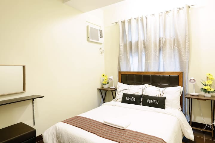 Brand new 2br furnished condo makati fits 5 wifi!! - Makati - (ไม่ทราบ)