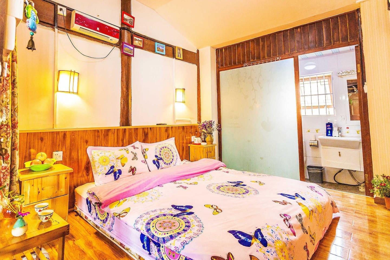 二楼温馨大床房