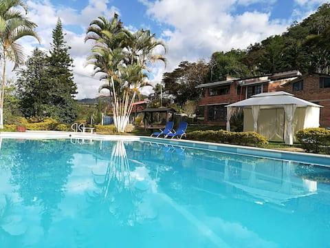 Casa piscina familiar wifi diciembre consultanos
