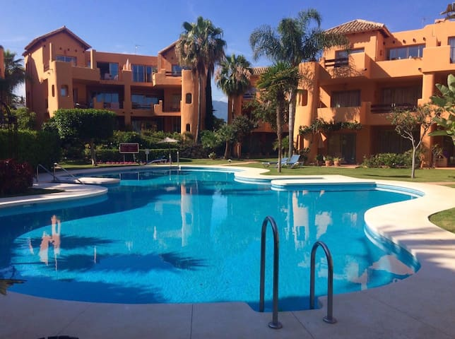 Lovely 2 bedroom apartment close to beach - Estepona - Daire