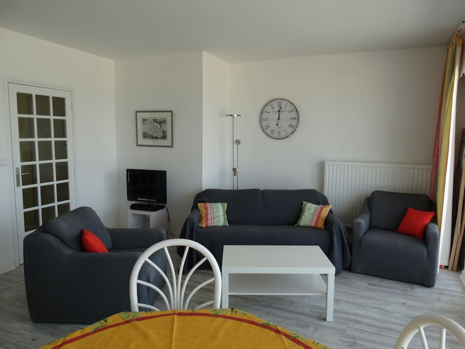 Face mer hardelot apt 2 ch 66m2 d co soign e for Logement neufchatel