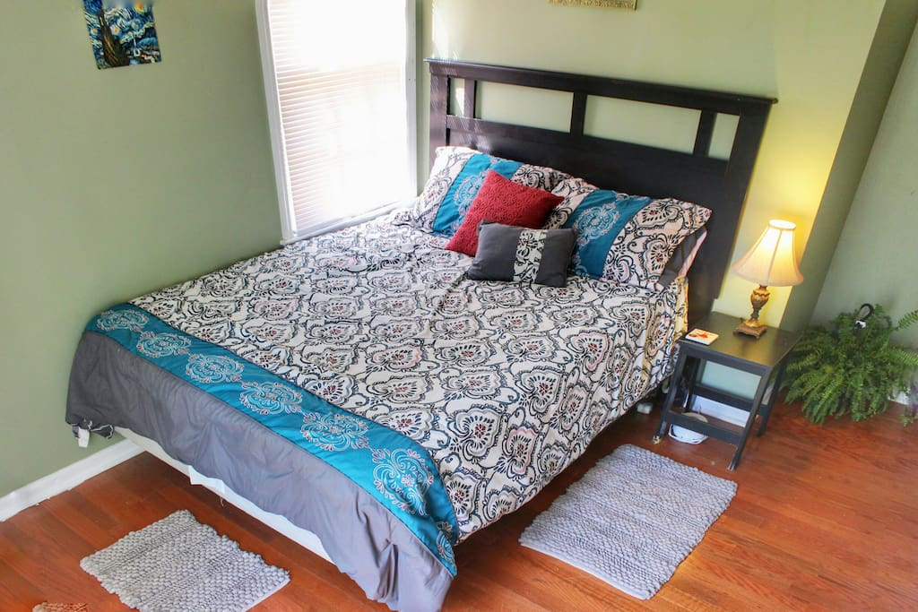 Dream foam 12 in 1 Mattress with complimentary amenities.